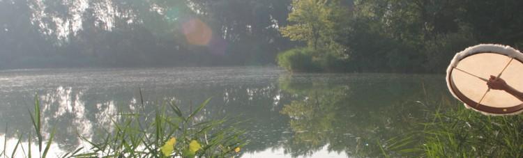 Schamanentrommeln am See