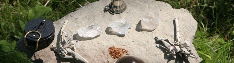 Schamanische Werkzeuge im Medizinbeutel